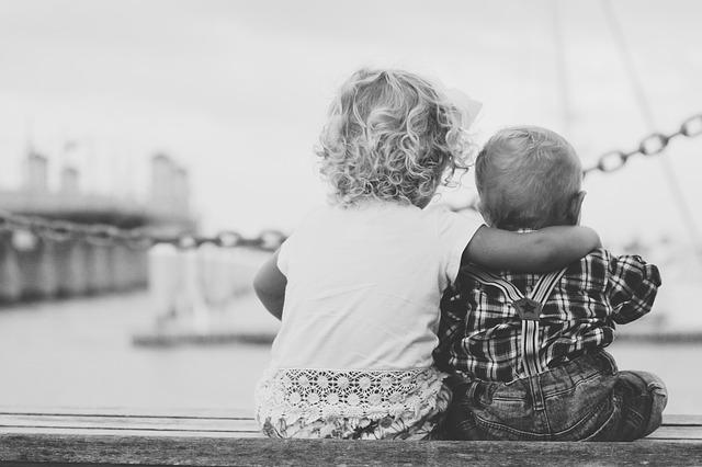 děti v přístavu