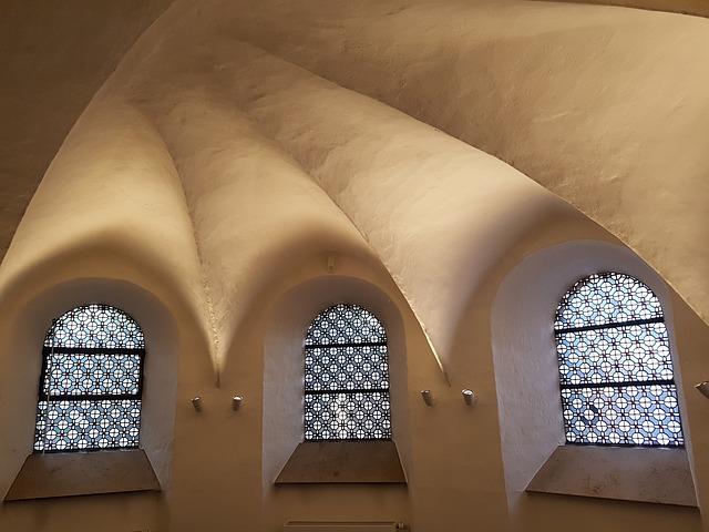 strop krypty